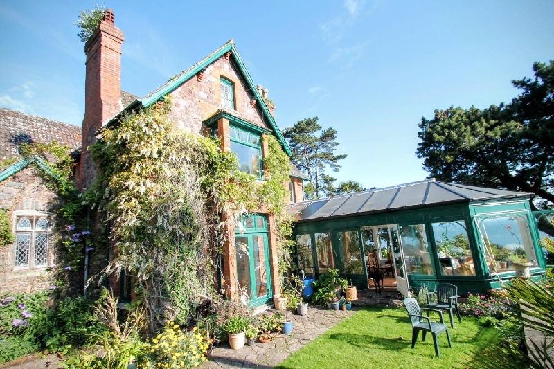 Somerset Cottage Holidays - Click here for more about Chapel Knap