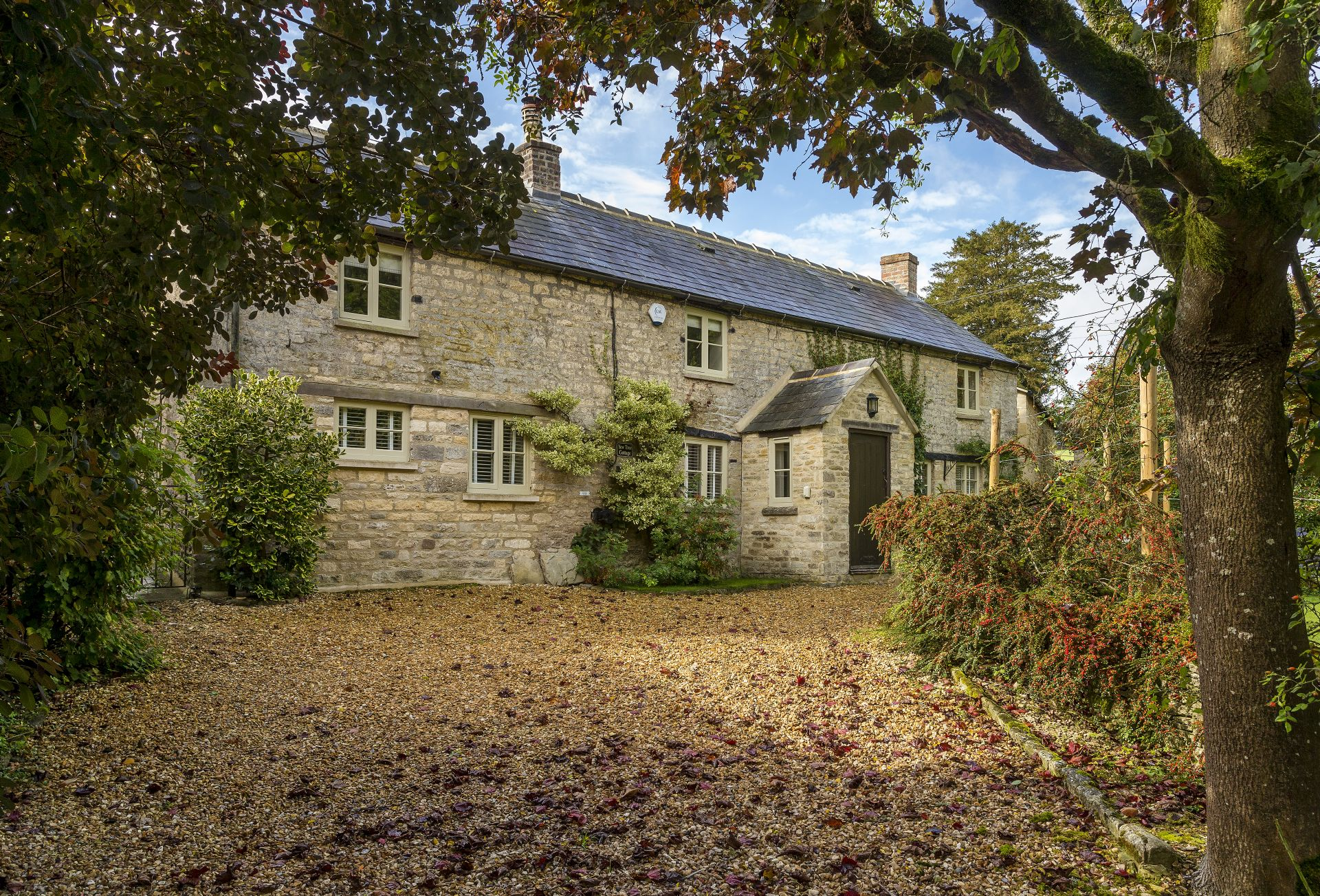 Gloucestershire Cottage Holidays - Click here for more about Yew Tree Cottage