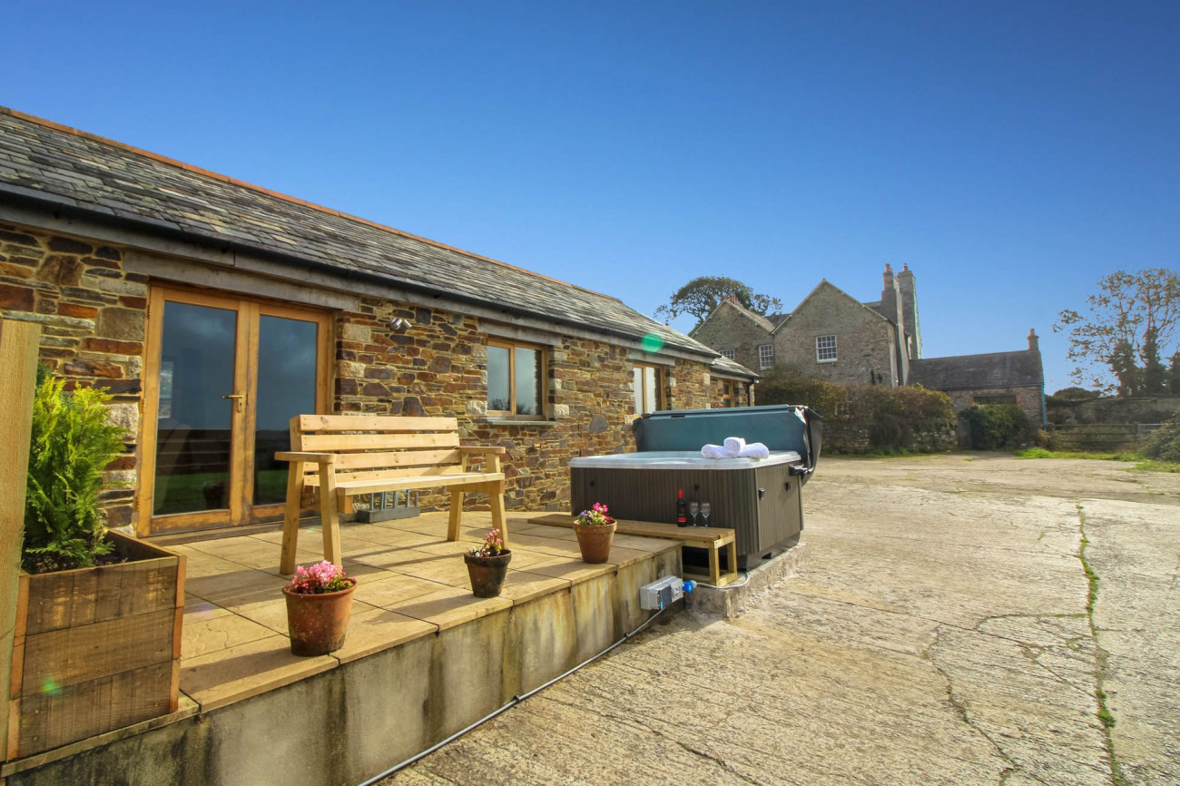 Cornwall Cottage Holidays - Click here for more about The Shippon