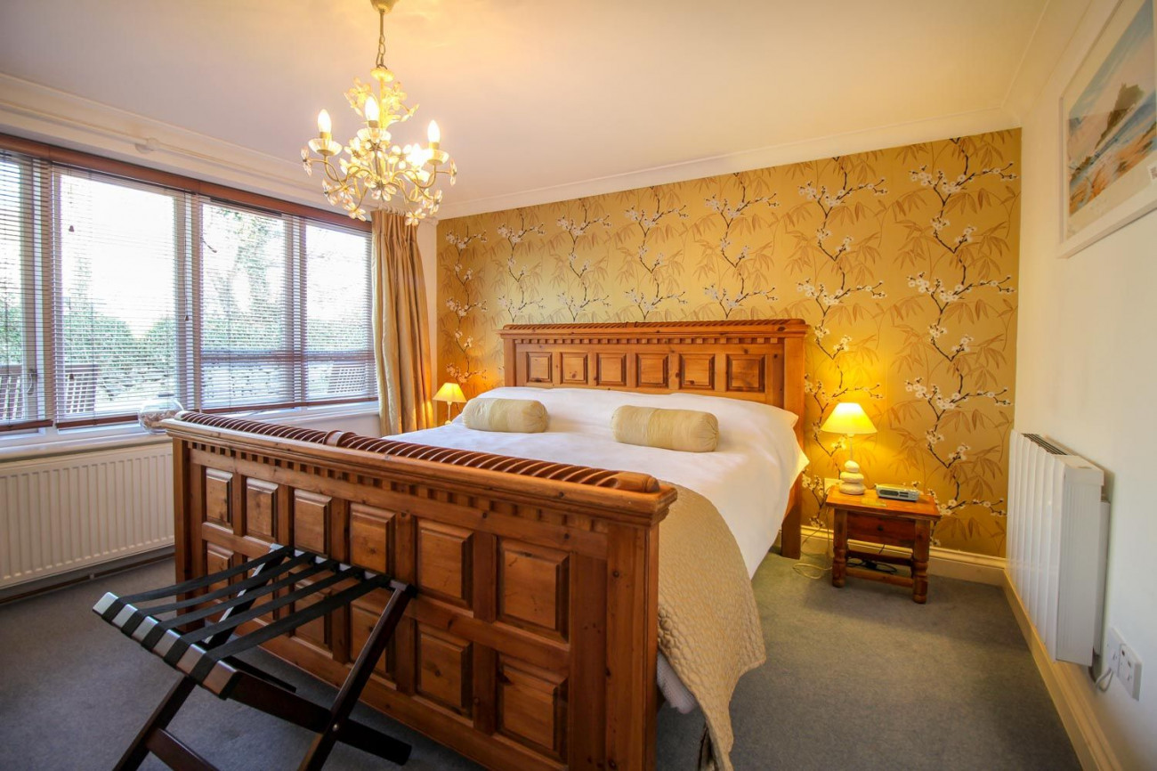 Cornwall Cottage Holidays - Click here for more about Atlantic Cottage at Rosevidney Manor