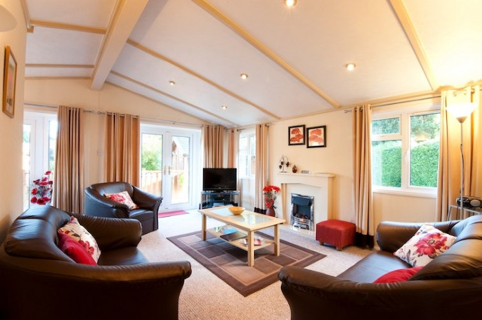 Cornwall Cottage Holidays - Click here for more about Poppy Lodge