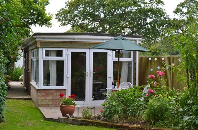 Hampshire Cottage Holidays - Click here for more about The Lodge