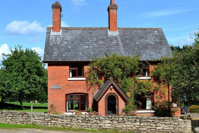 Hampshire Cottage Holidays - Click here for more about Acres Down Farm Cottage