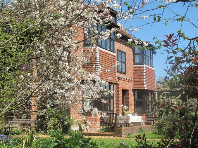 Hampshire Cottage Holidays - Click here for more about Orchardside at Penn Farm