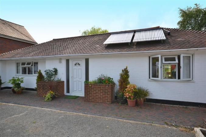 Hampshire Cottage Holidays - Click here for more about 3 The Vinery