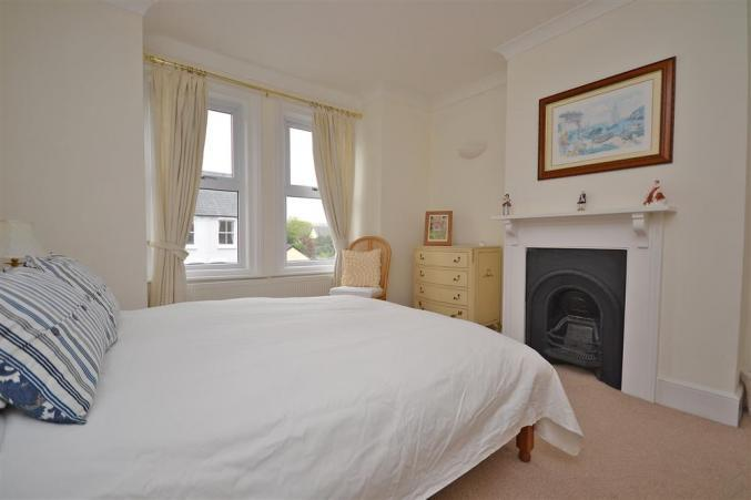 Hampshire Cottage Holidays - Click here for more about Fern Cottage