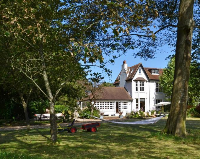Hampshire Cottage Holidays - Click here for more about Number Four