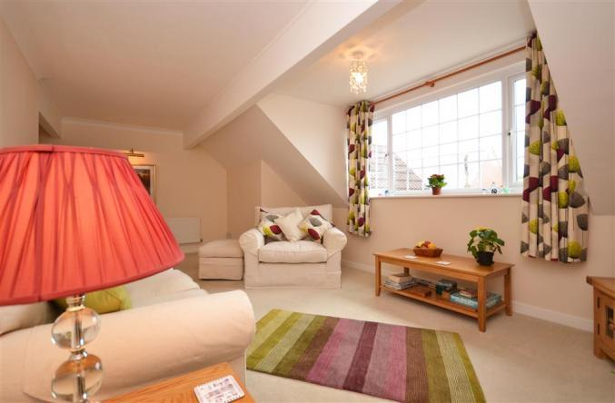 Hampshire Cottage Holidays - Click here for more about The Hideaway