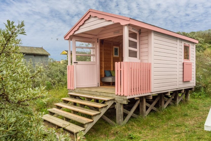 Norfolk Cottage Holidays - Click here for more about Shrimpers Beach Hut