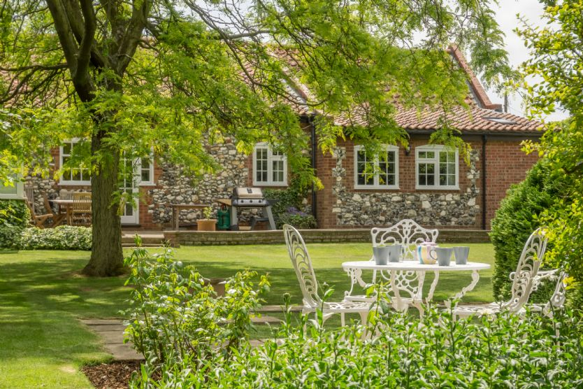 Norfolk Cottage Holidays - Click here for more about Westgate Cottage (Thornham)