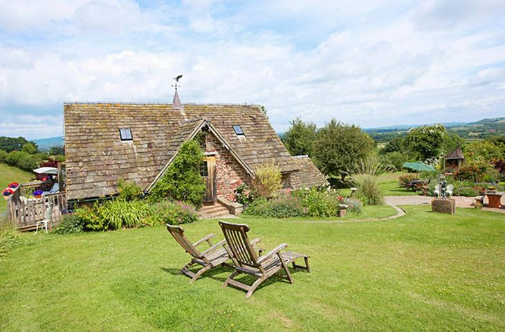 Worcestershire Cottage Holidays - Click here for more about Coach House