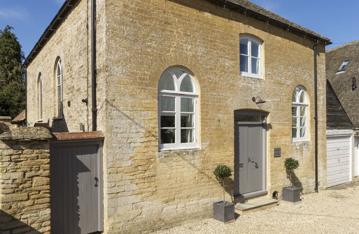 Oxfordshire Cottage Holidays - Click here for more about Chapel House