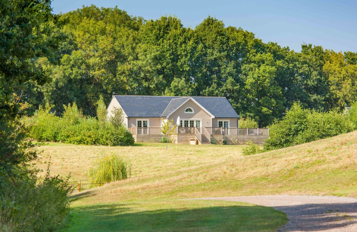 Essex Cottage Holidays - Click here for more about Woodbell Lodge