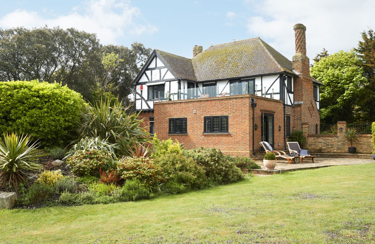 Kent Cottage Holidays - Click here for more about Lauriston