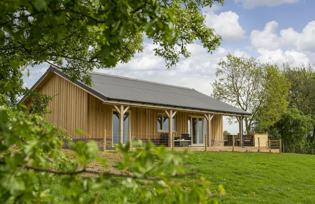 Rutland Cottage Holidays - Click here for more about Strawberry Lodge