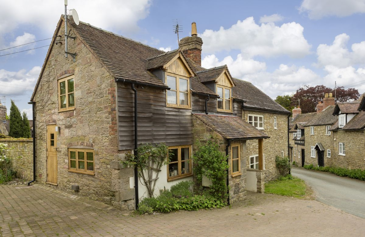 Shropshire Cottage Holidays - Click here for more about New Inn Cottage