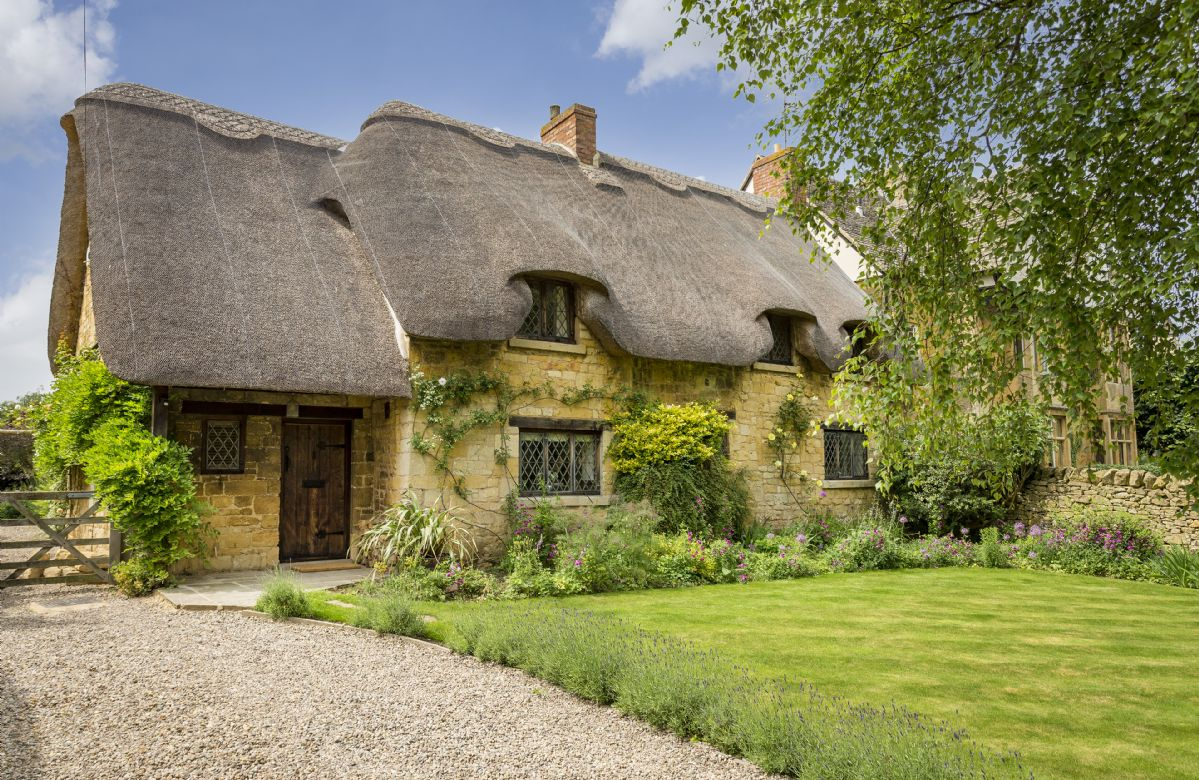 Worcestershire Cottage Holidays - Click here for more about St Michael's Cottage