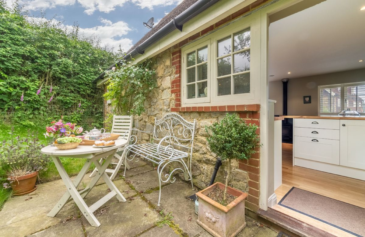 Kent Cottage Holidays - Click here for more about Sakers Cottage