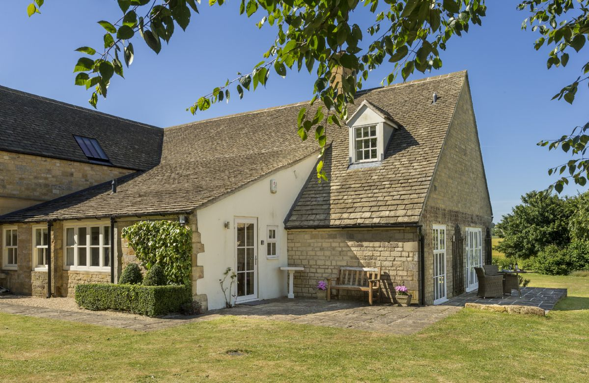 Worcestershire Cottage Holidays - Click here for more about Highlands Cottage