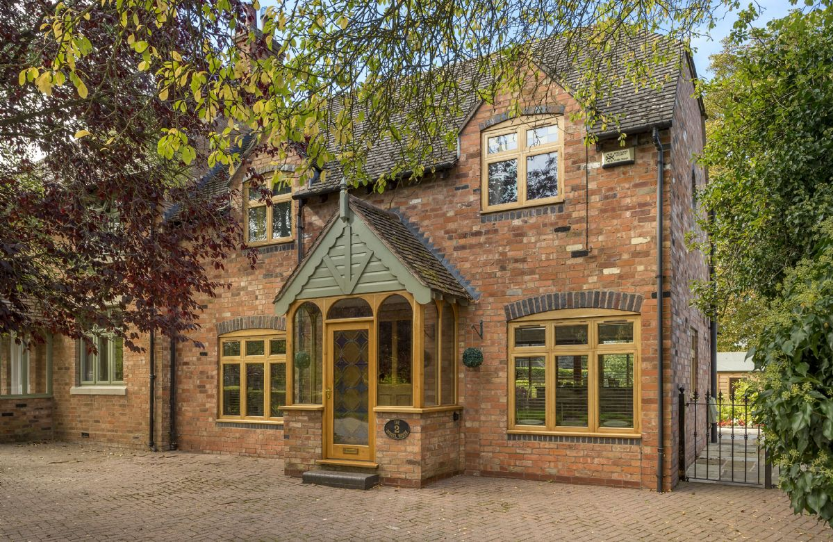 Warwickshire Cottage Holidays - Click here for more about 2 The School House