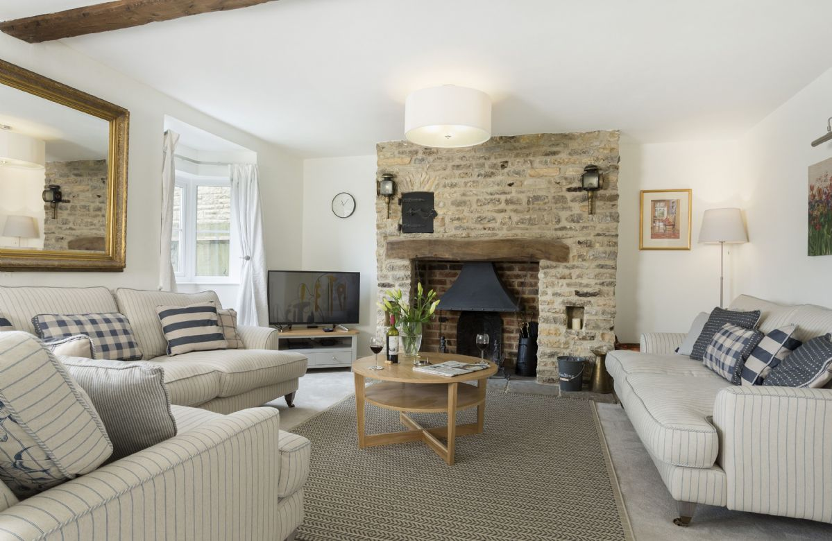 Oxfordshire Cottage Holidays - Click here for more about Upper End House