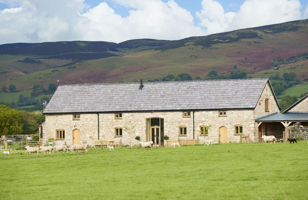 Denbighshire Cottage Holidays - Click here for more about The Longbarn at Caerfallen