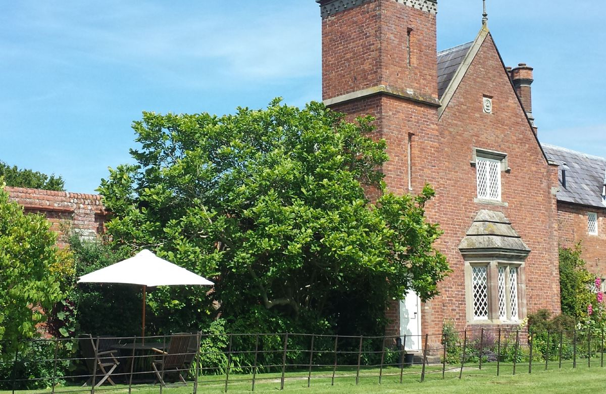 Shropshire Cottage Holidays - Click here for more about Cotton Cottage