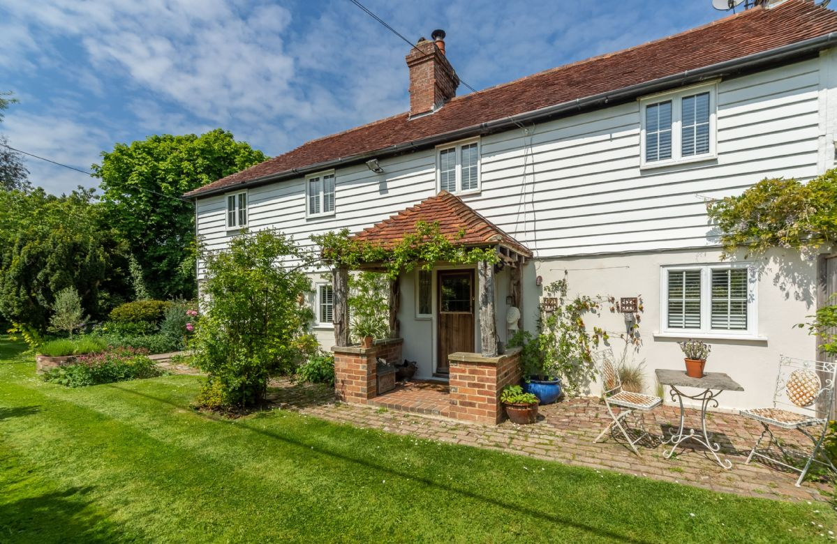 East Sussex Cottage Holidays - Click here for more about Cherry Cottage