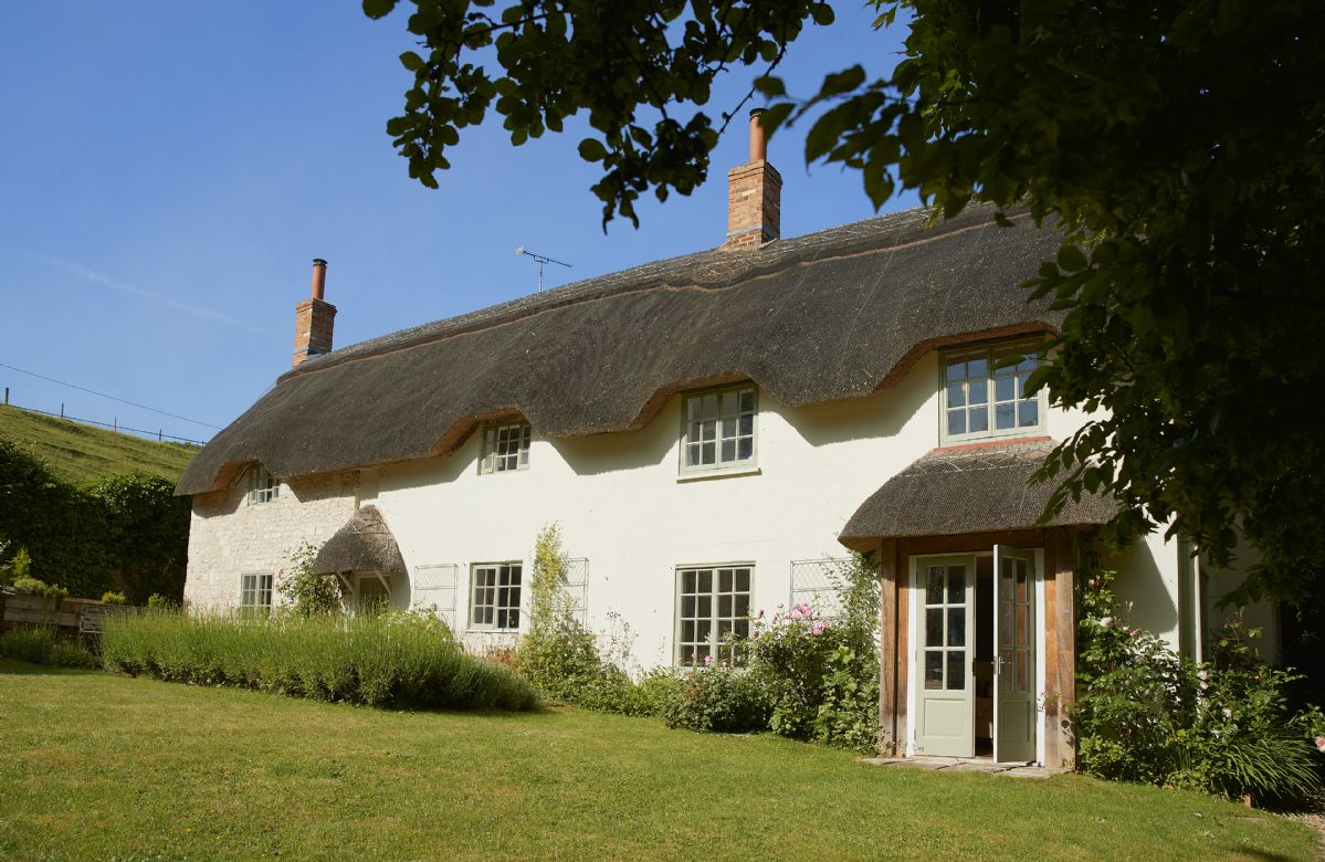 Wiltshire Cottage Holidays - Click here for more about Carters Cottage