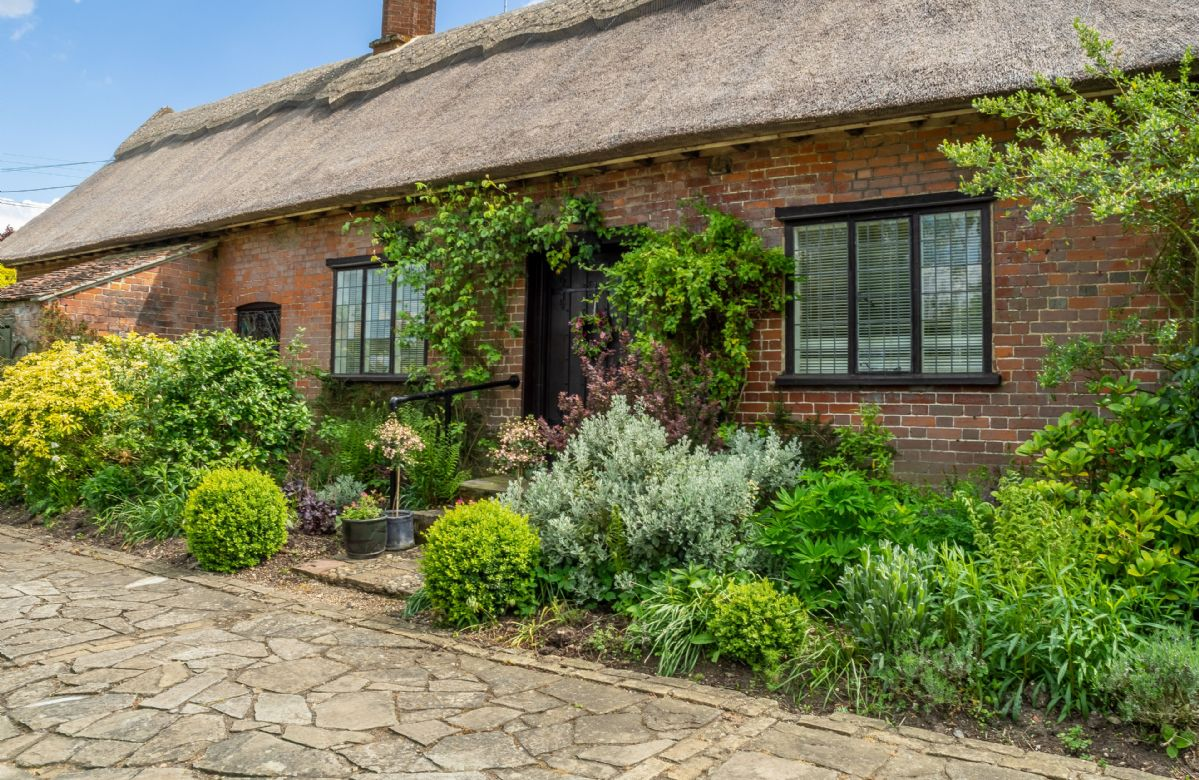 Suffolk Cottage Holidays - Click here for more about Ayres End Studio