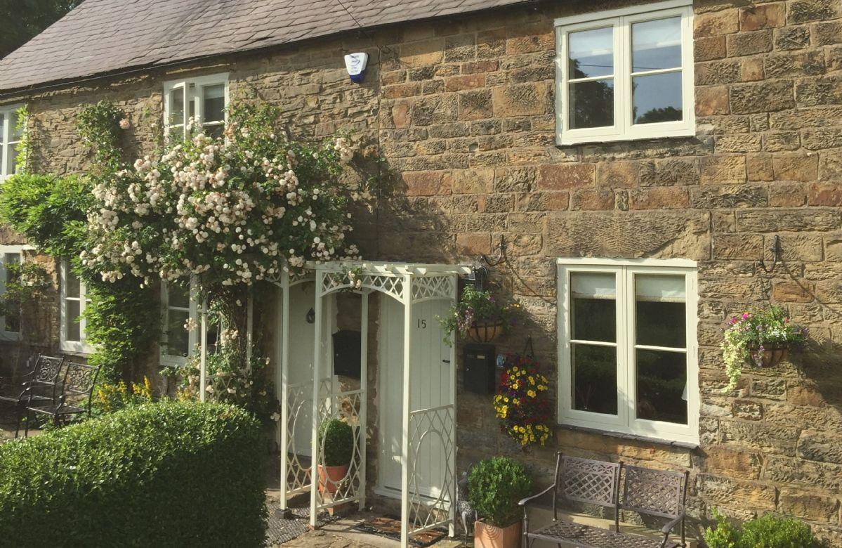 Derbyshire Cottage Holidays - Click here for more about Jasmine Cottage