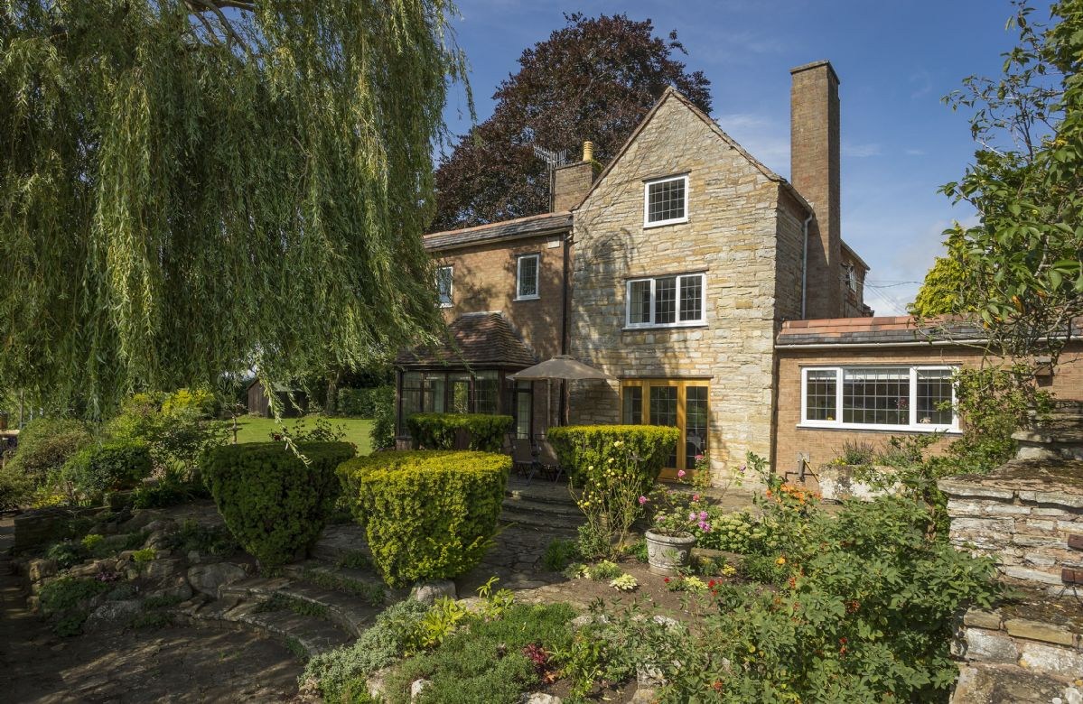 Warwickshire Cottage Holidays - Click here for more about Riverside House