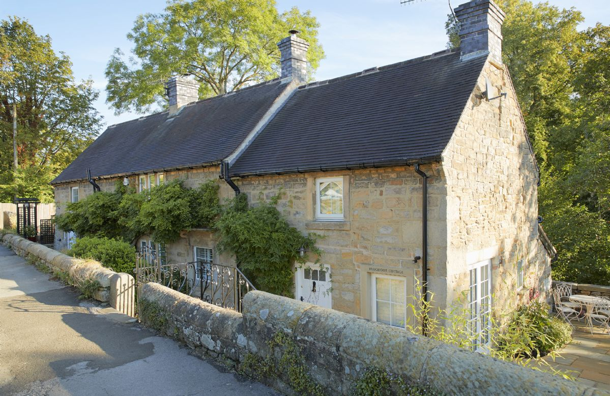 Derbyshire Cottage Holidays - Click here for more about Bridge Foot Cottage