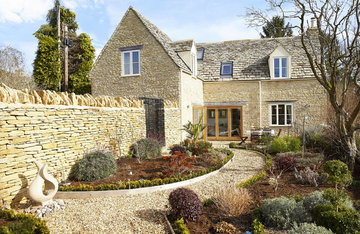 Wiltshire Cottage Holidays - Click here for more about Little Maunditts Cottage
