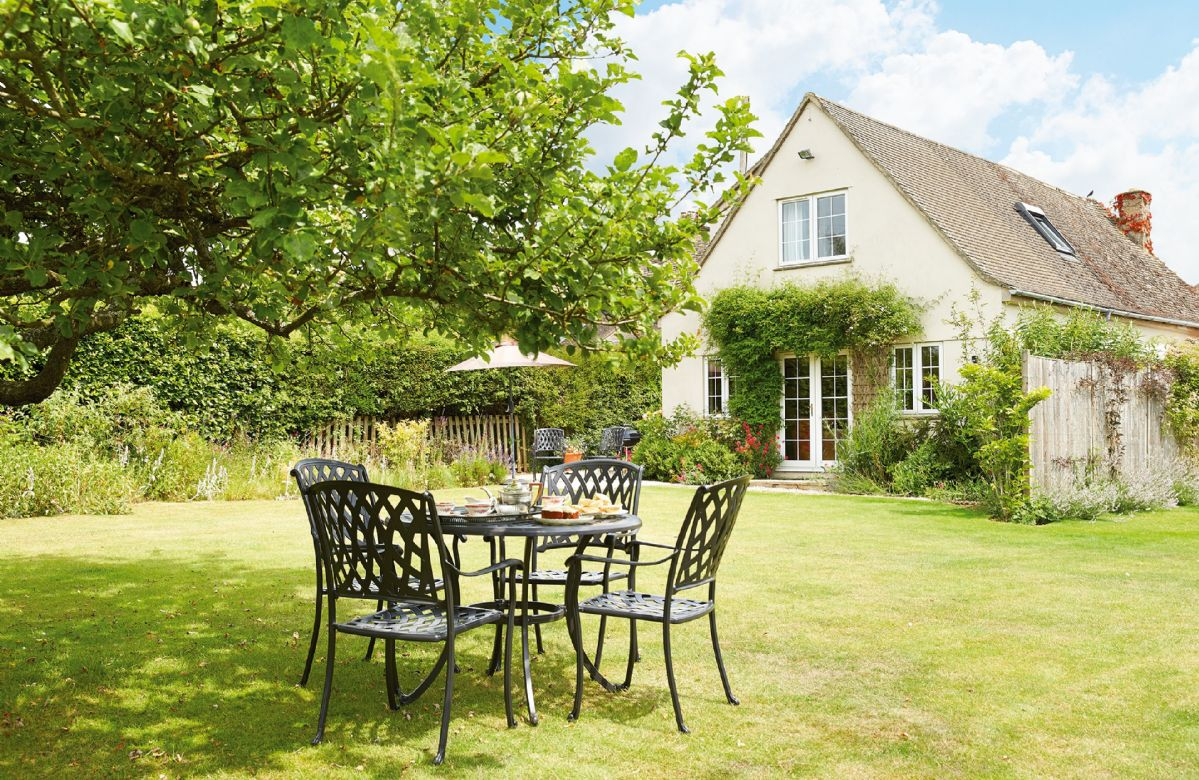 Gloucestershire Cottage Holidays - Click here for more about Moore Cottage