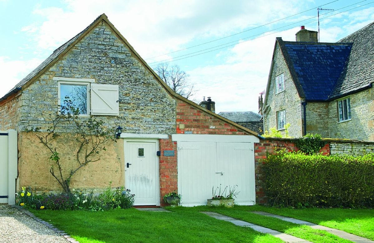 Warwickshire Cottage Holidays - Click here for more about Old Bothy