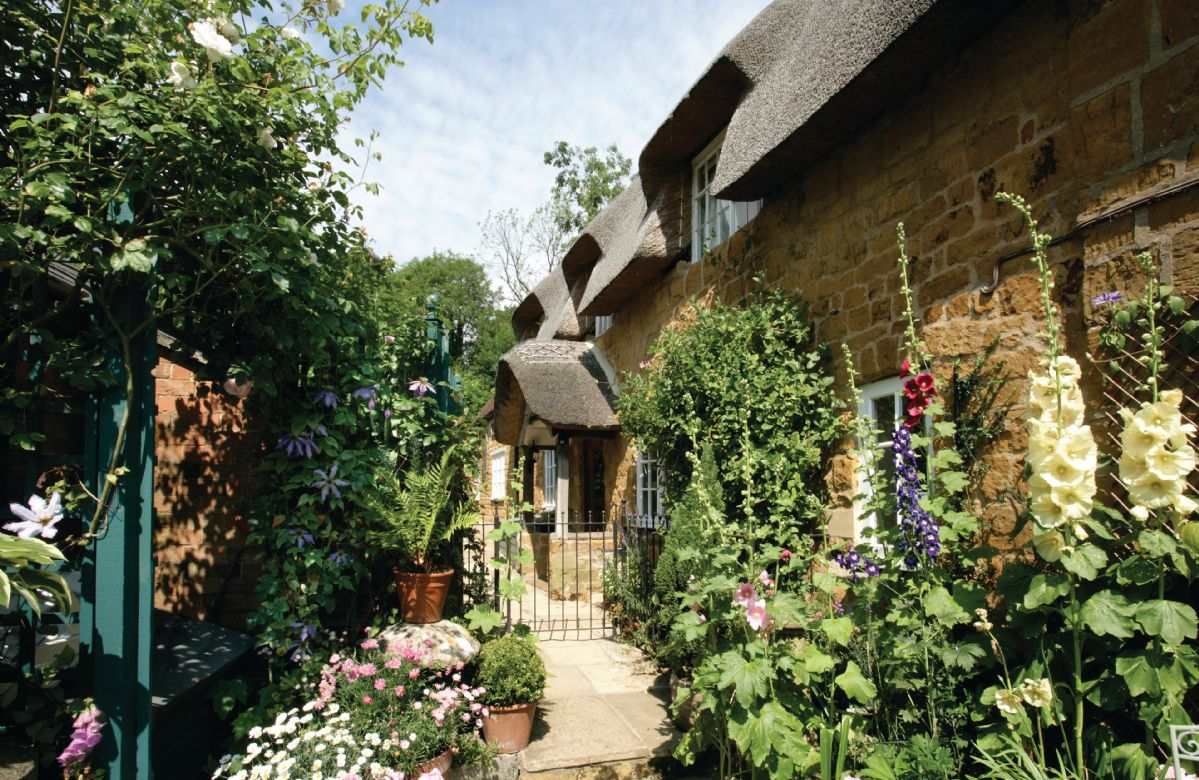 Warwickshire Cottage Holidays - Click here for more about The Glen