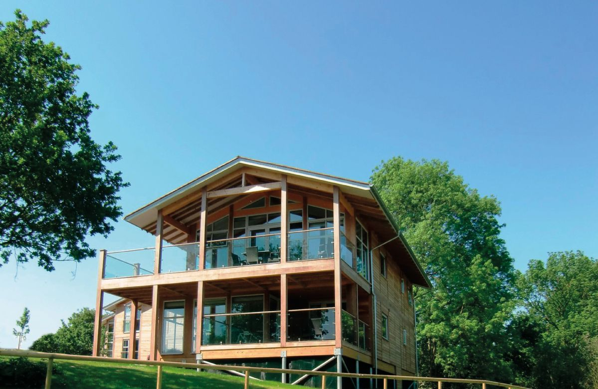 Suffolk Cottage Holidays - Click here for more about Scarlet Pimpernel