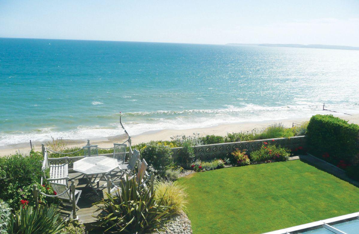 English Cottage Holidays - Beach View