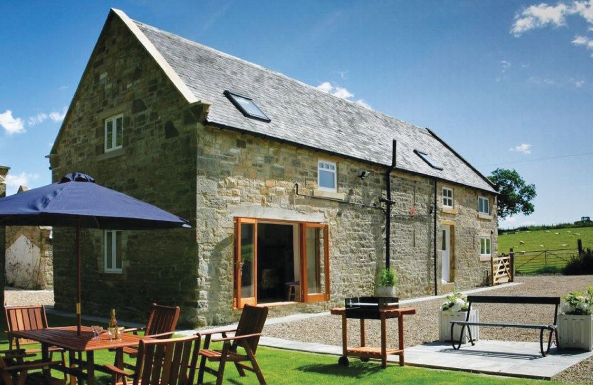 Northumberland Cottage Holidays - Click here for more about Haughton Castle - Farm House