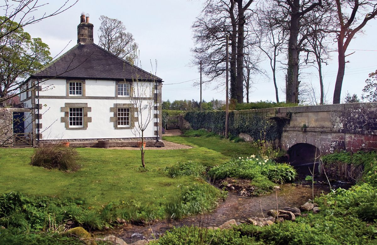 Northumberland Cottage Holidays - Click here for more about Haughton Castle - White Lodge