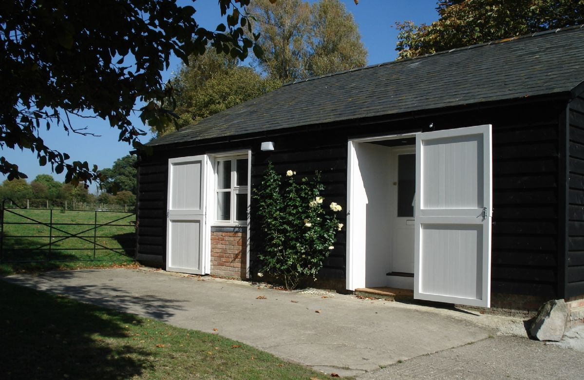 Wiltshire Cottage Holidays - Click here for more about Stable Cottage