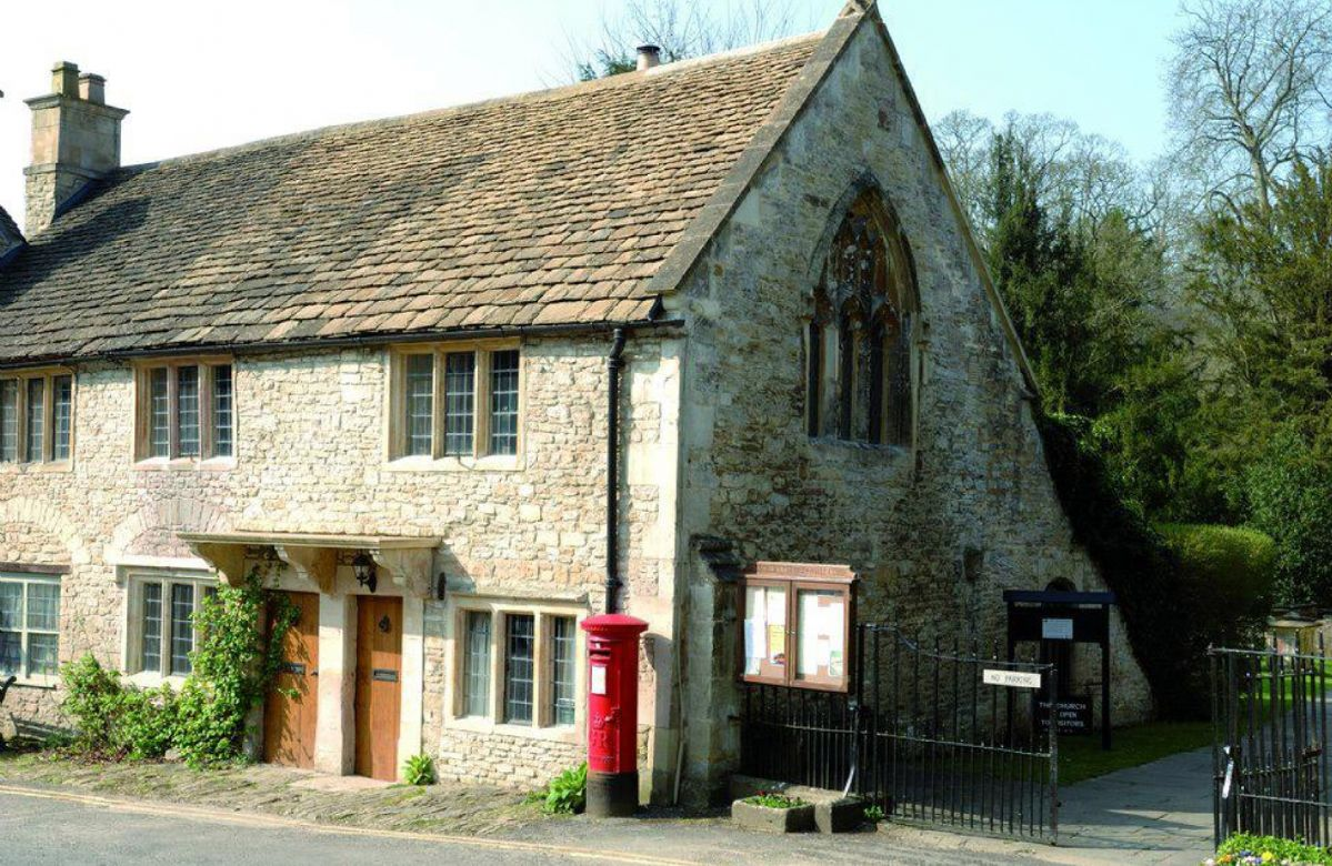 Wiltshire Cottage Holidays - Click here for more about The Gates
