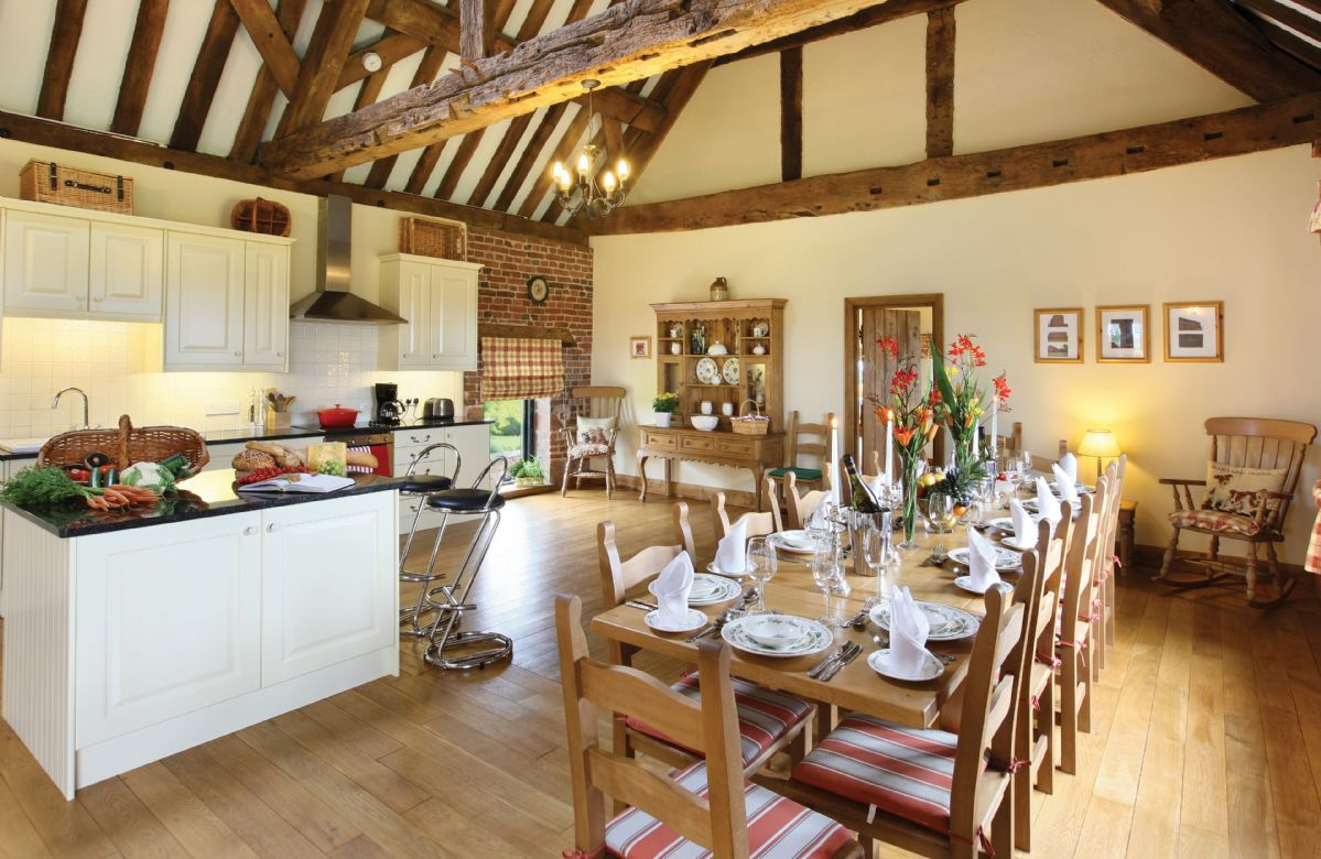 Cromwells Manor sleeps 8