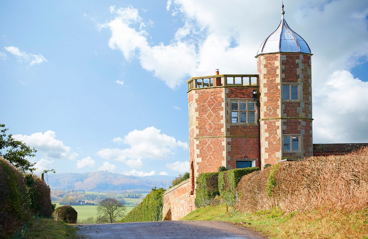 Shropshire Cottage Holidays - Click here for more about The Summer House