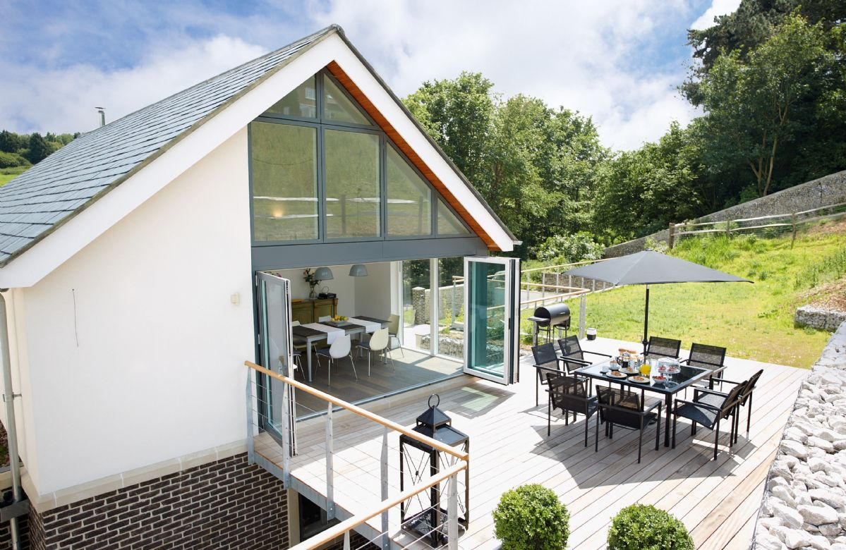 East Sussex Cottage Holidays - Click here for more about Brooks Lodge