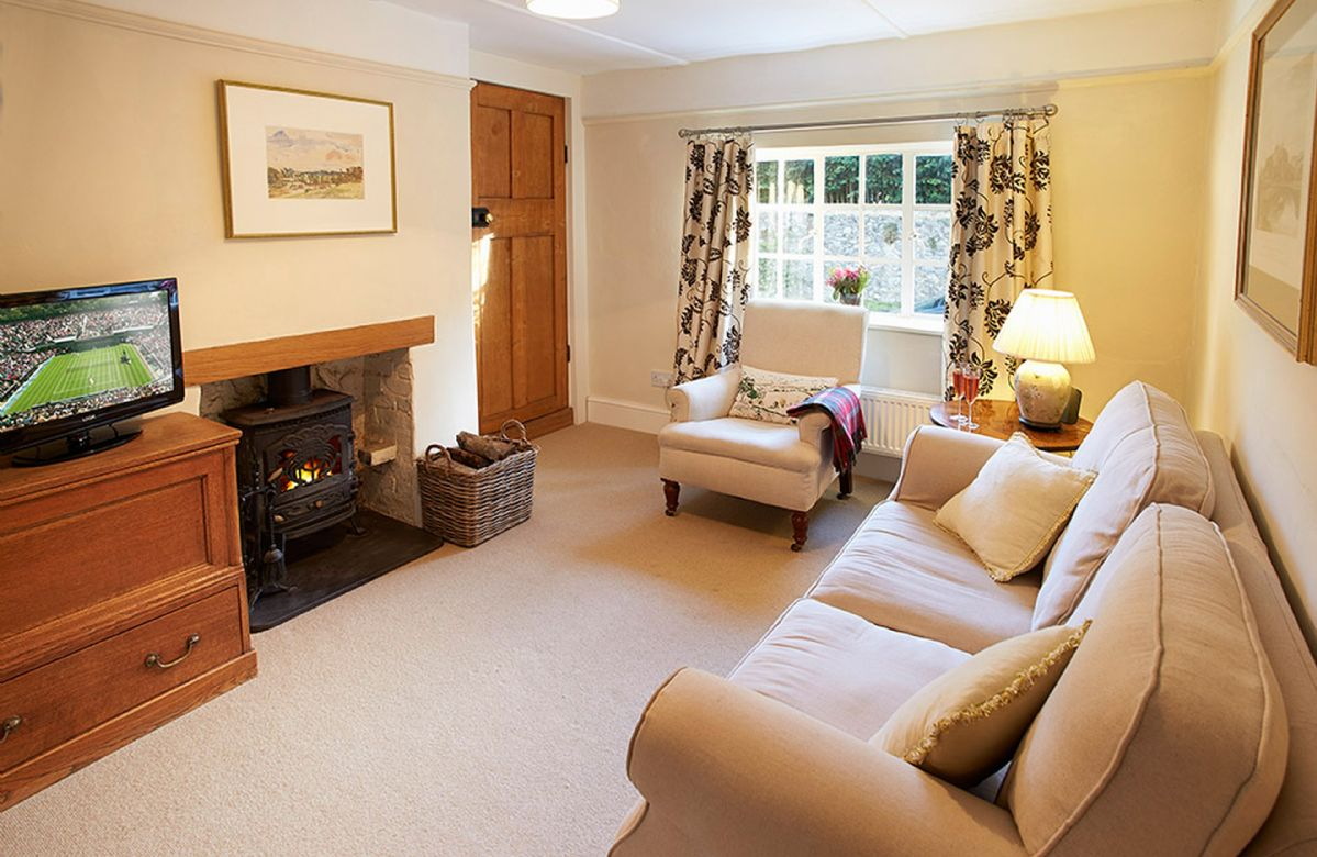 West Sussex Cottage Holidays - Click here for more about Densford Cottage