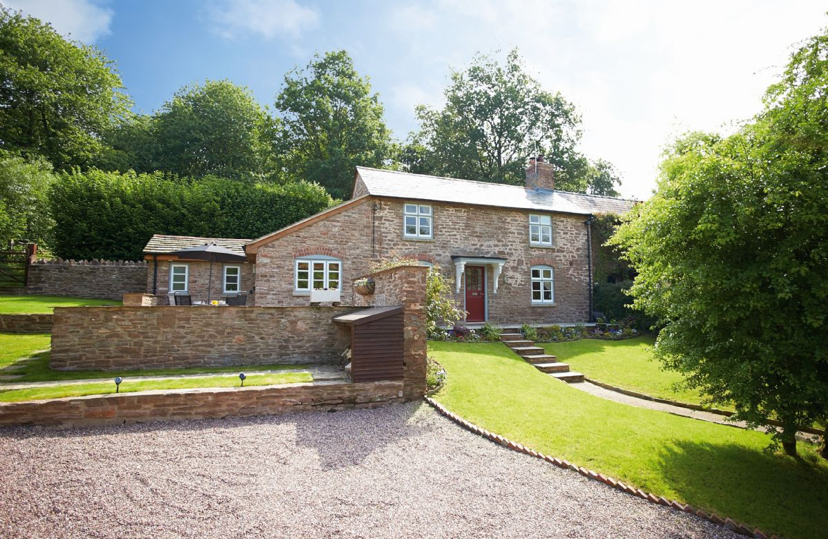 Herefordshire Cottage Holidays - Click here for more about 2 The Oaks