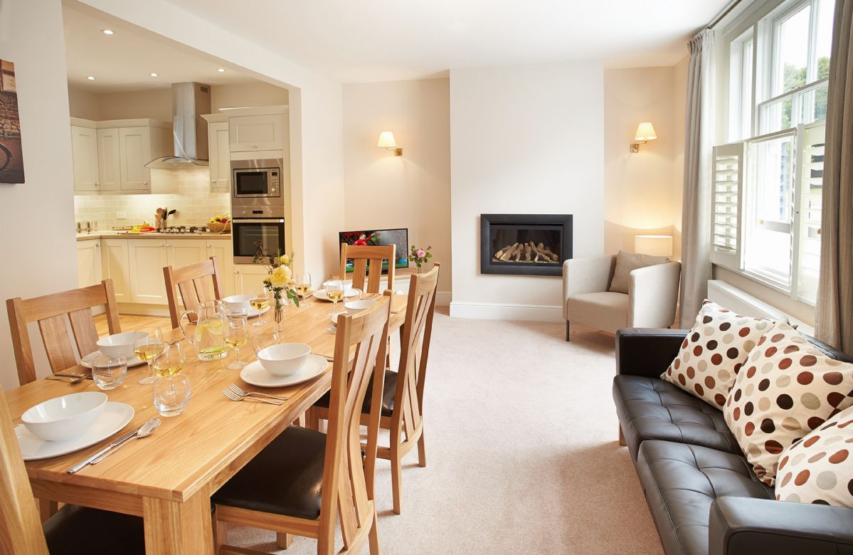 Herefordshire Cottage Holidays - Click here for more about 3 Palace Yard