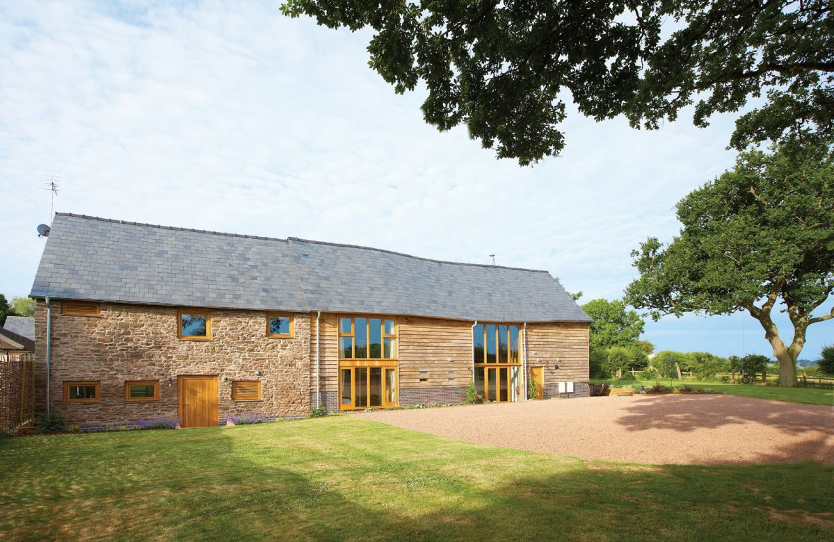 Herefordshire Cottage Holidays - Click here for more about Wall Hills Barn